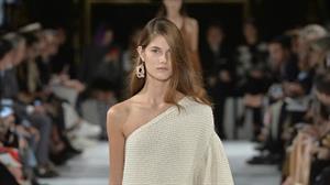FOTO APERTURA - Stella-McCartney-abito-doppio-strato-effeto-tricot