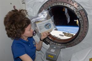 FOTO C -(Foto NASA, public domain)