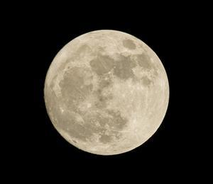 FOTO C - La luna piena