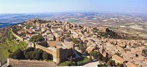 FOTO B - Centro storico di Montalcino